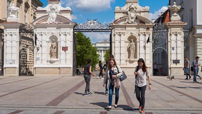 Avrupa'da Üniversite Eğitimi | Hangi Ülke Hangi Fırsatları Sunuyor?