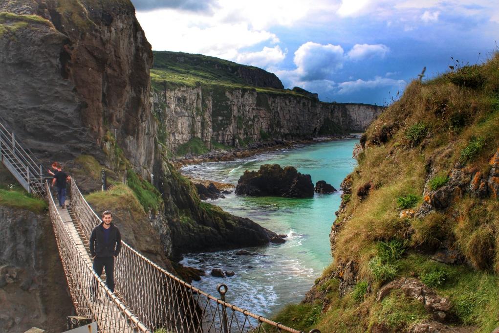 1. İrlanda'da uzun dönem dil eğitimi alarak çalışma izni alabilirsiniz.