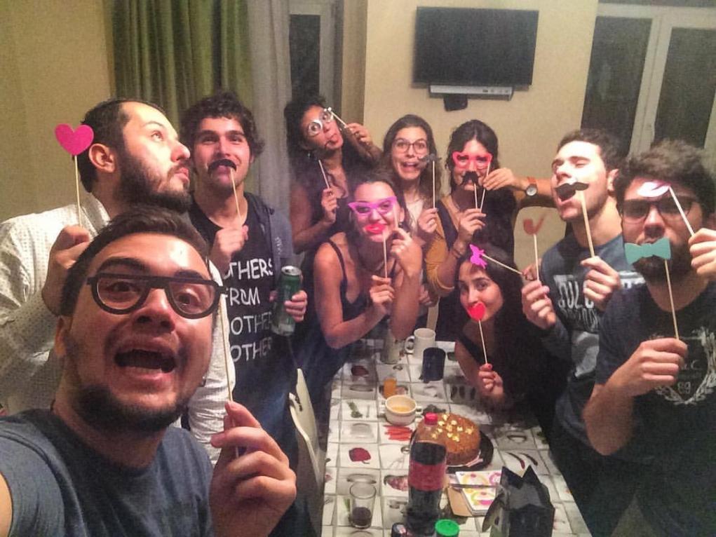3. Çılgın partilere katıl!