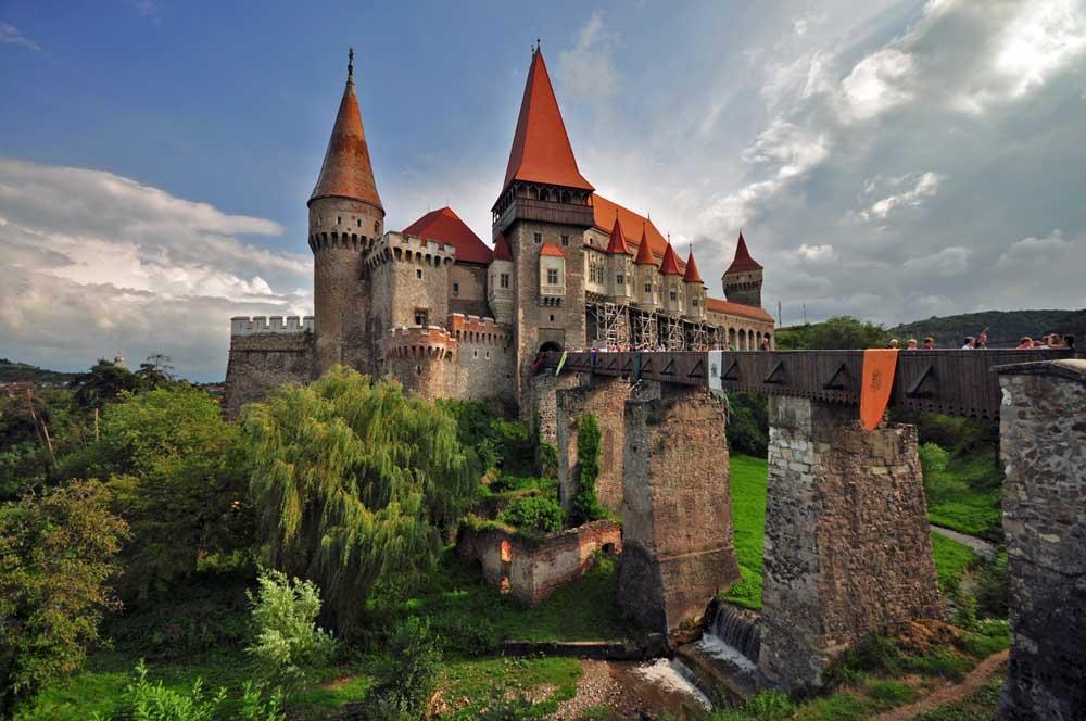 2. Romanya