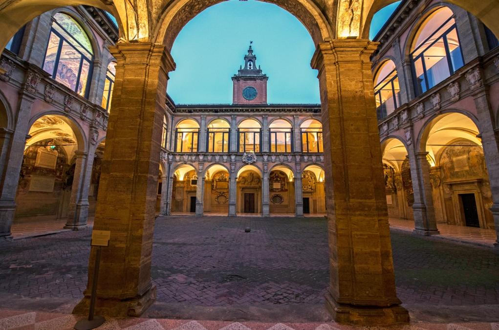 1. Dünyanın en eski üniversiteleri İtalya'dadır.