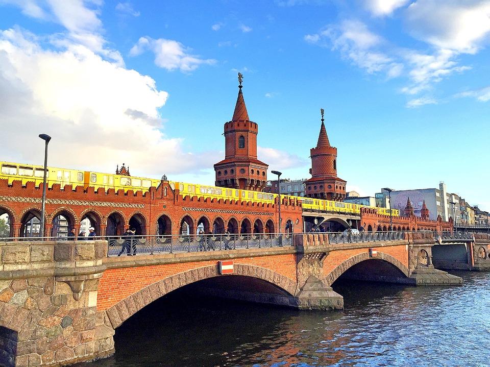 1. Berlin, Venedik'ten daha fazla köprüye sahiptir.