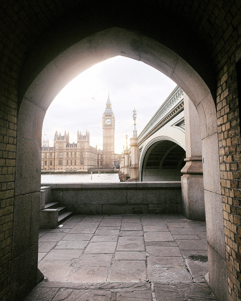 1. Big Ben ve Westminister Sarayı manzarasına açılan gizli kapı