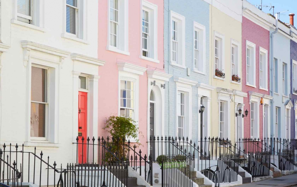 2. Notting Hill'in rengarenk evleri
