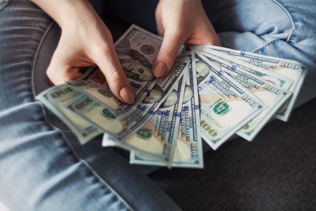 2-Kanada vizesi alabilmek için bankada ne kadar para gereklidir?
